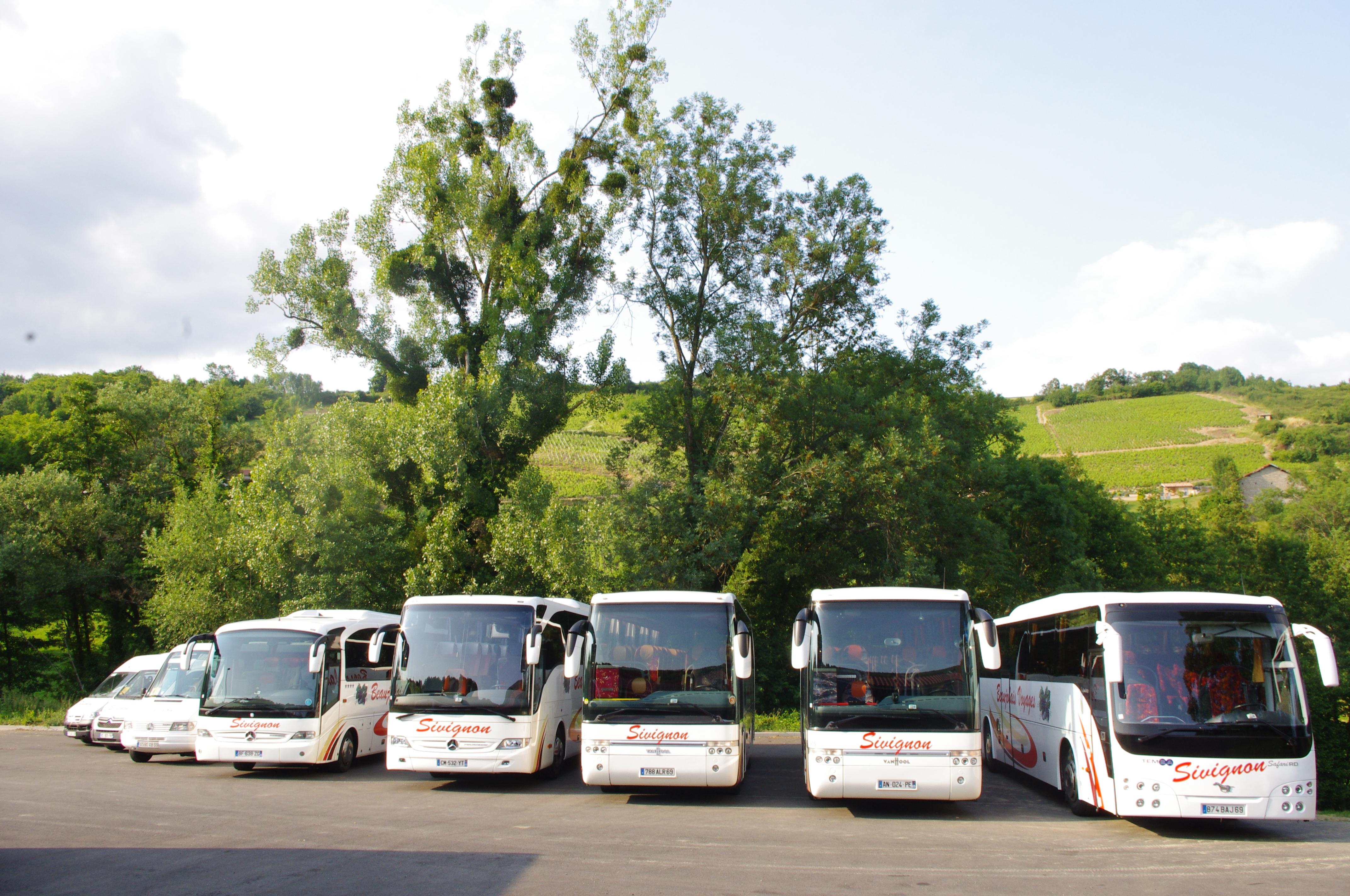 Cars Sivignon Beaujolais Voyages Rhône Alpes
